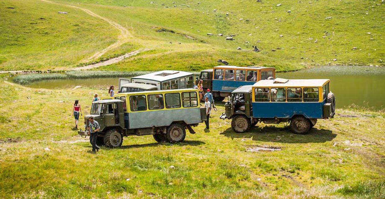 Подорожі та оренда машини ГАЗ-66